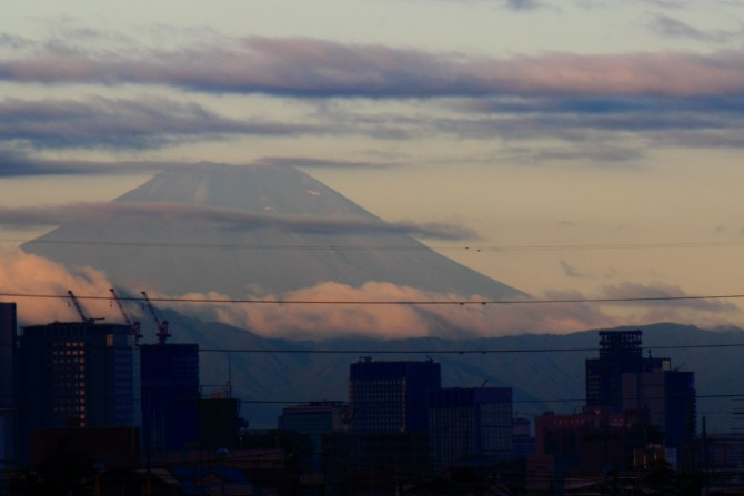 江戸川河川敷から撮った富士山