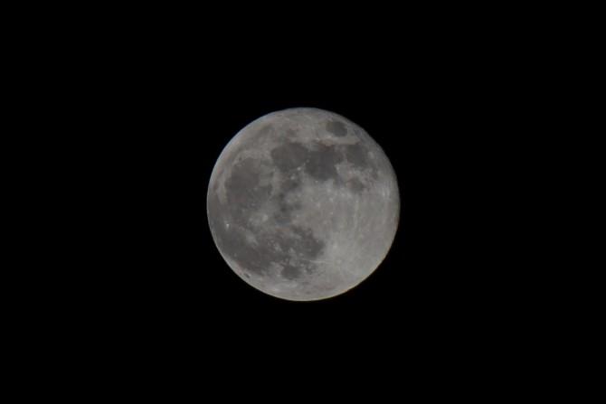 昨日の満月
