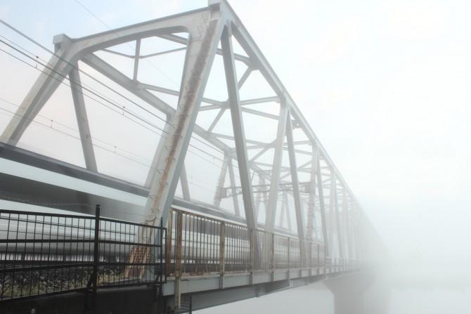 霧の中の京成線