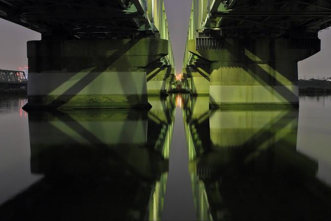 市川橋の下