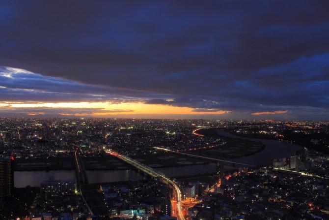 日没後の江戸川 アイ・リンクタウン展望施設より