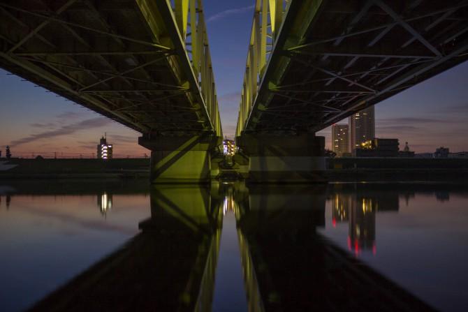 市川橋の下から