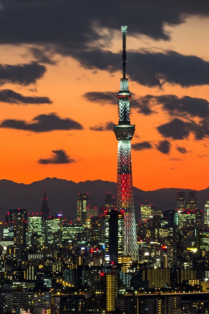 「東京スカイツリー開業2周年記念特別ライティング」 あすで終了