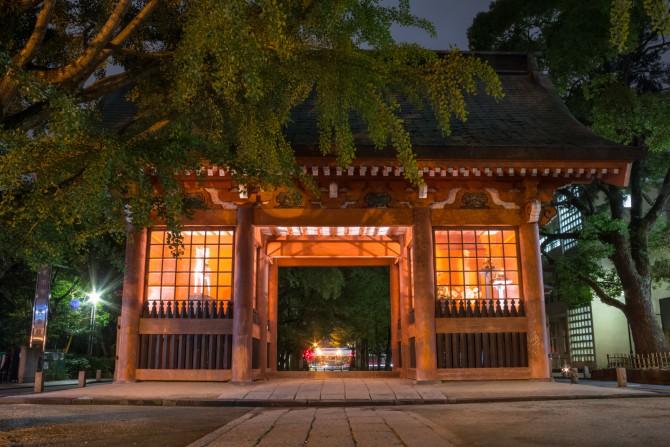 夜の葛飾八幡宮