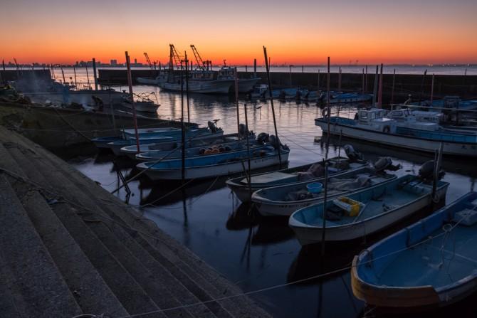 夜明けの行徳港
