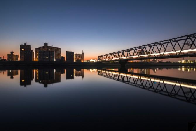 日の出前の江戸川