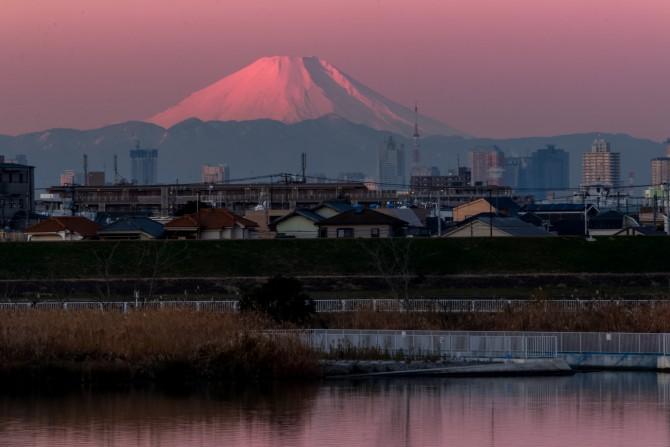 江戸川(行徳橋北)より 日の出の頃に