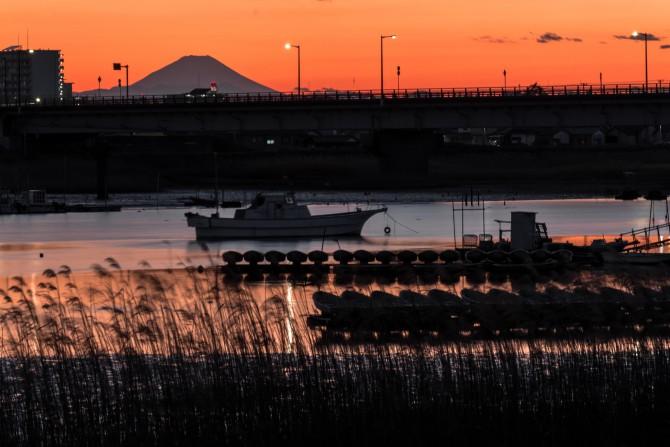 日没後の江戸川放水路