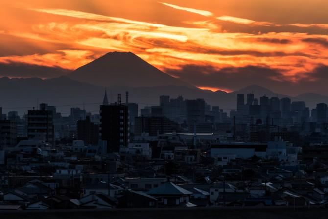 日没後の富士山 里見公園より