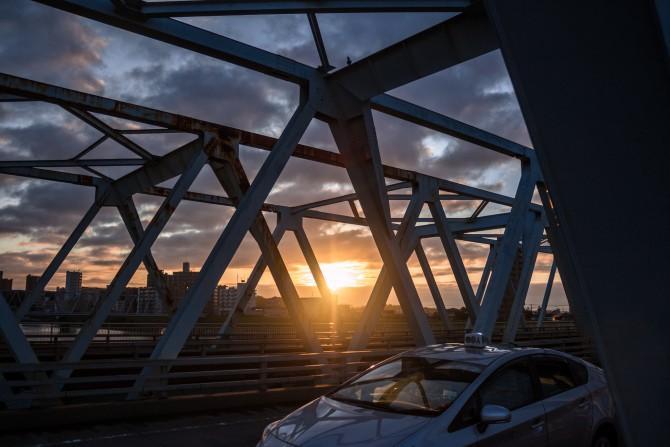 朝陽と市川橋