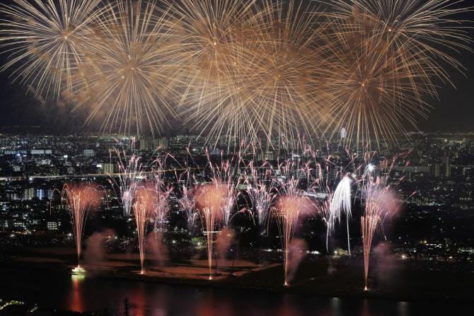 アイ・リンクタウン展望施設から市川市民納涼花火大会を見てみませんか?