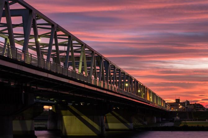 夕焼けと市川橋