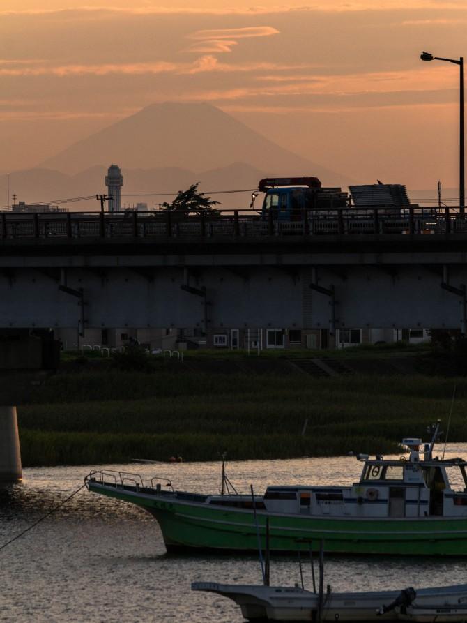 富士山と新行徳橋