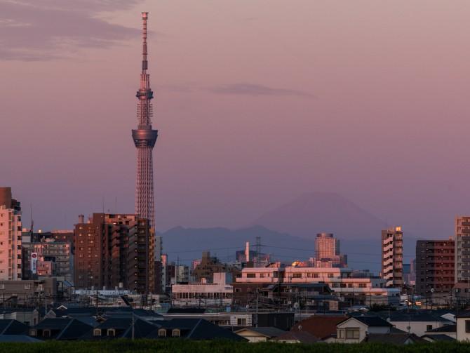 けさの富士山と東京スカイツリー