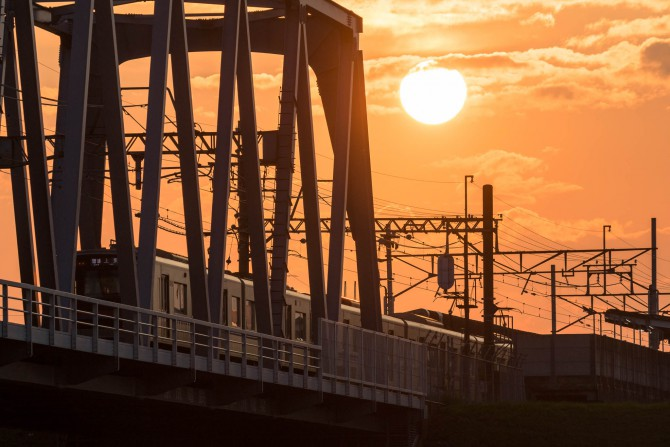 夕陽と京成線