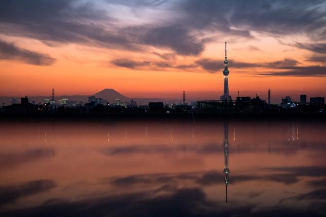 夕焼けと富士山とスカイツリー