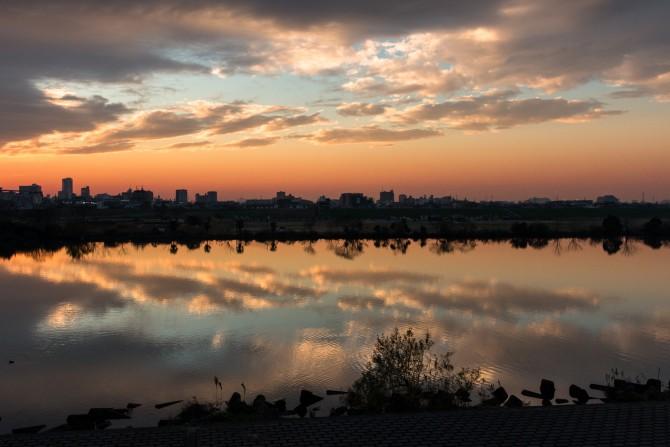 日没後の江戸川