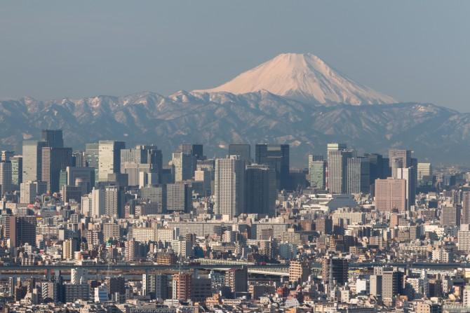 丹沢の山々も雪化粧