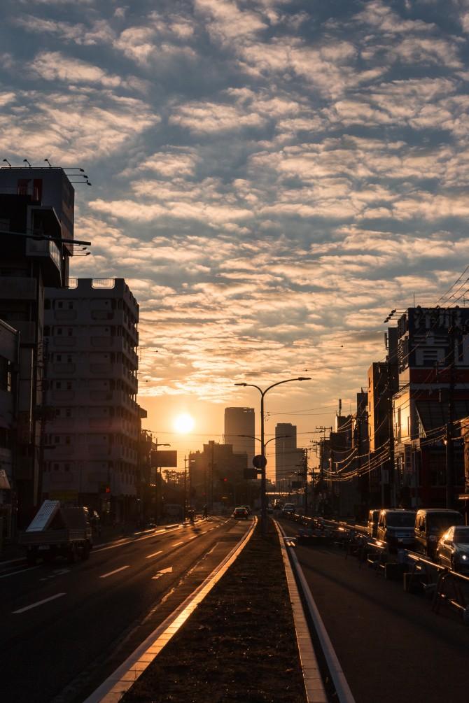 朝陽と国道14号