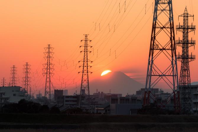 夕陽と富士山 江戸川放水路より