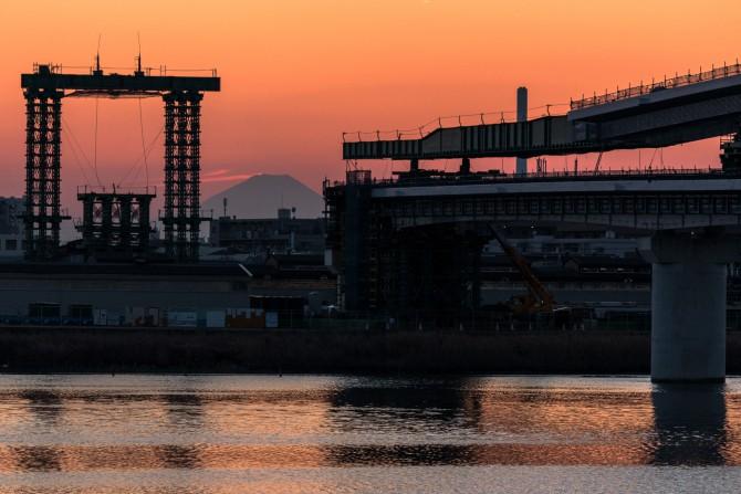 妙典橋と富士山
