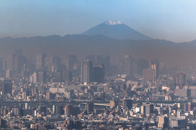 富士山が雪化粧をはじめました