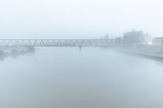 霧中の京成線