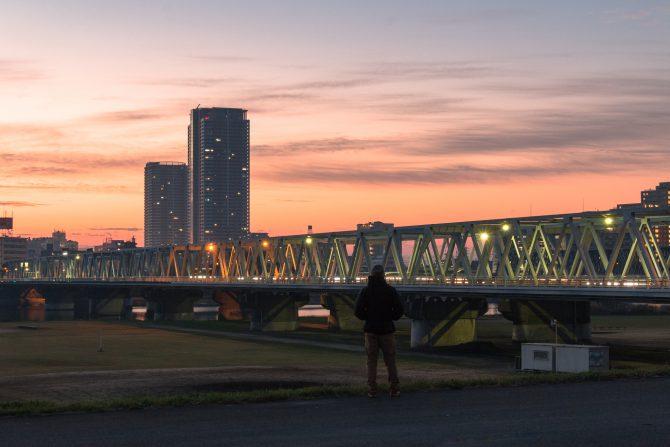 朝焼けの江戸川河川敷