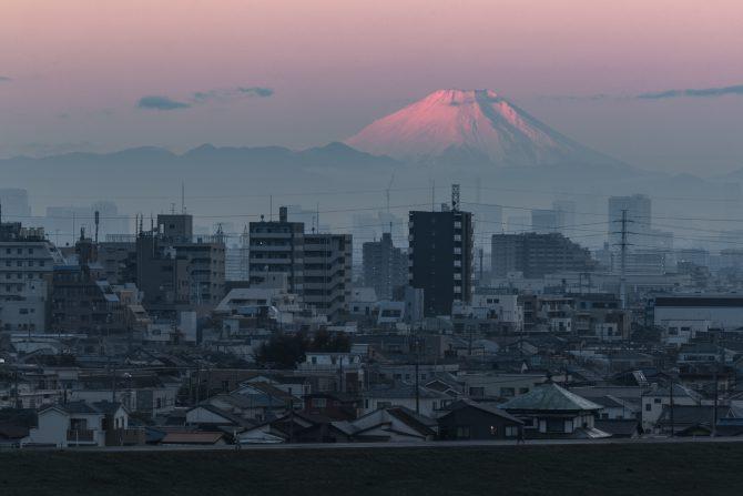 富士山がすっかり雪化粧