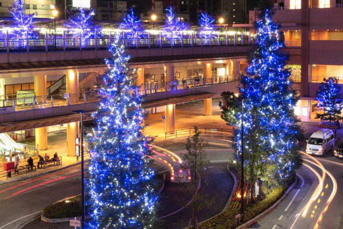 市川駅南口のライトアップ