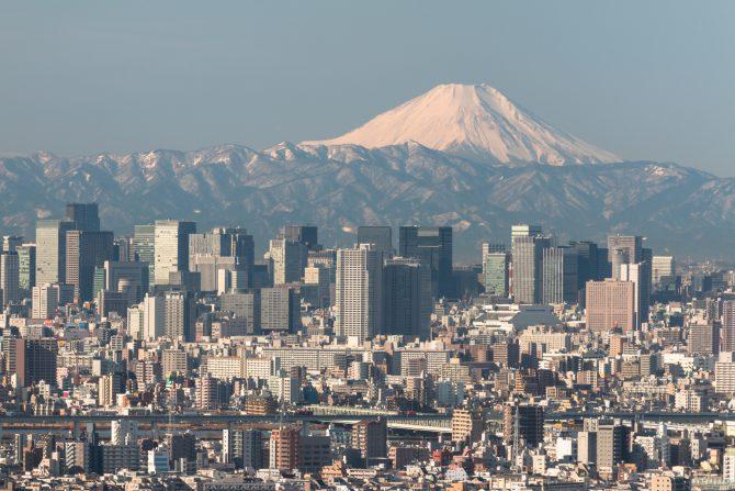 「雪の富士山」 アイ・リンクタウン展望施設より