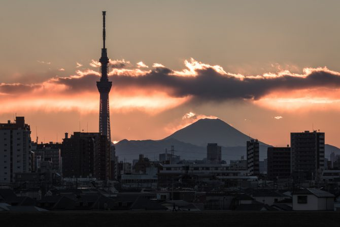 二重富士と 江戸川より