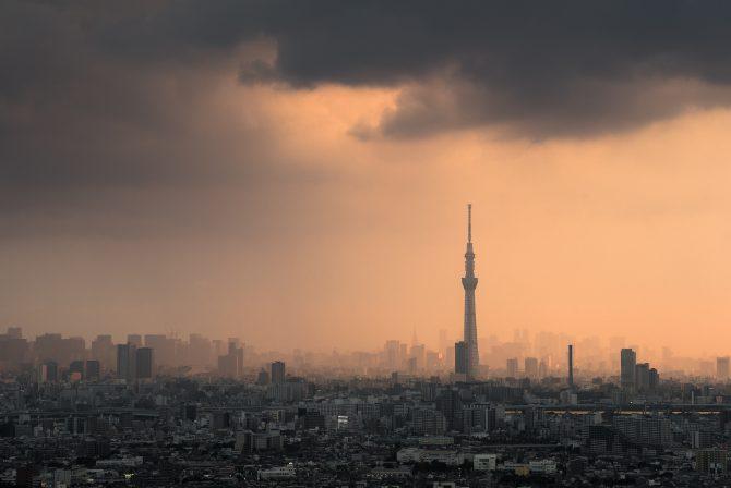 夕立ちの東京
