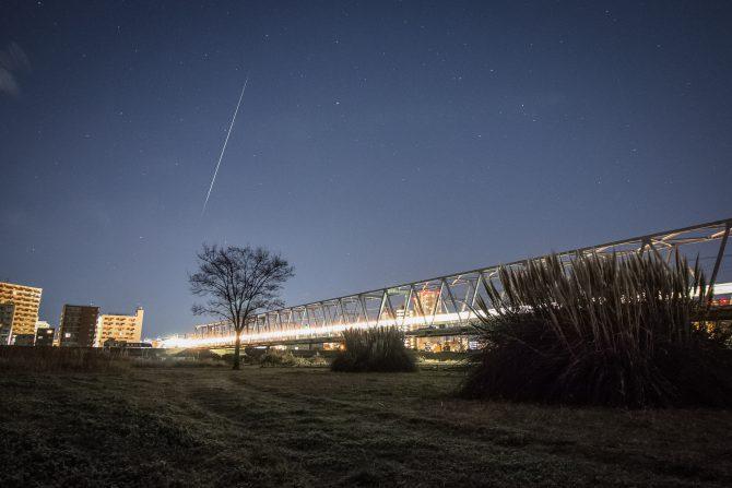 ペルセウス座流星群が8月12日深夜~13日未明に見ごろ