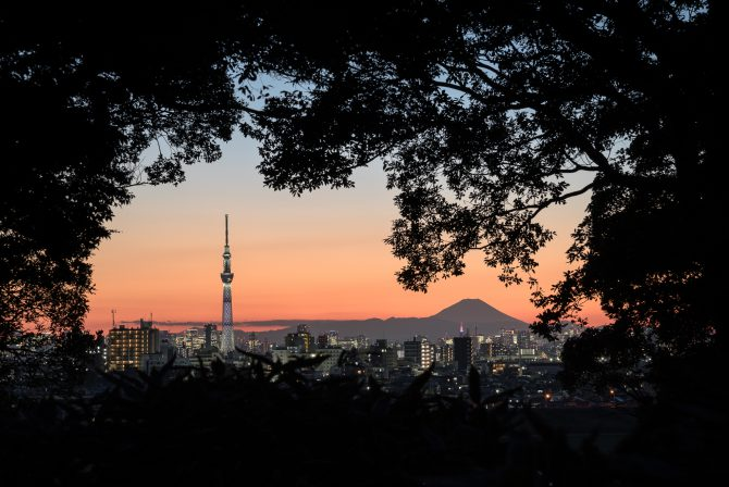 日没後の富士山とスカイツリー
