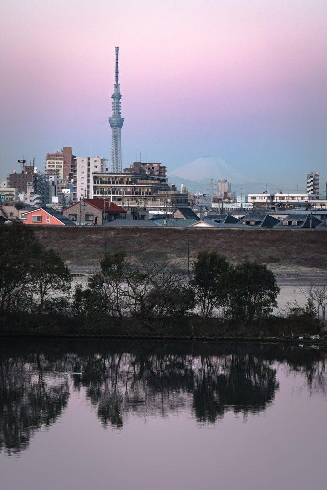 空と江戸川が桃色に染まる頃に