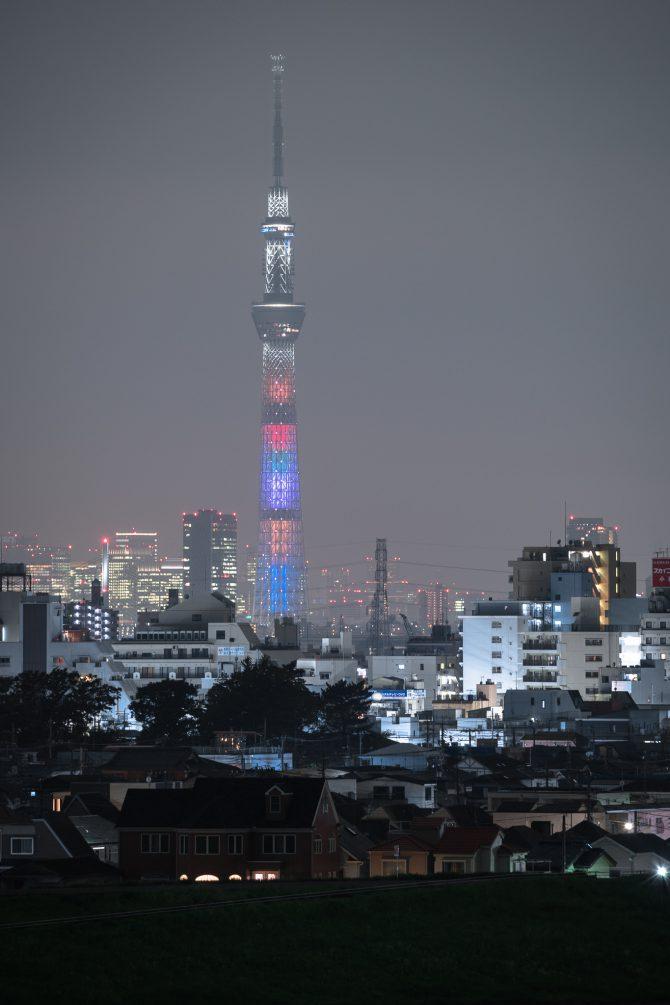 アベンジャーズ/インフィニティ・ウォーをイメージした東京スカイツリー