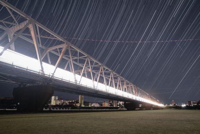 京成線と星(と飛行機)の軌跡