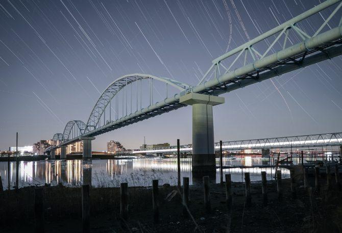 江戸川放水路の夜