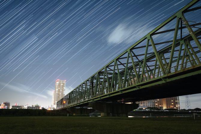 総武線江戸川橋梁と星の軌跡