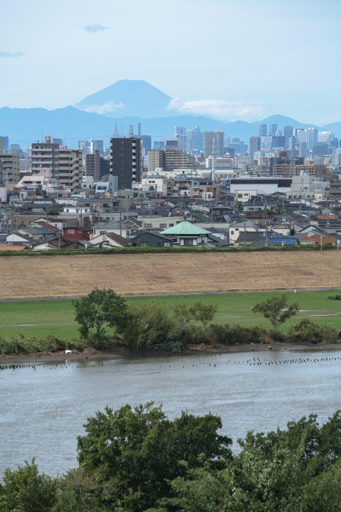 台風一過の富士山と江戸川
