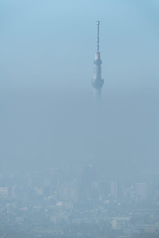 霧の東京スカイツリー