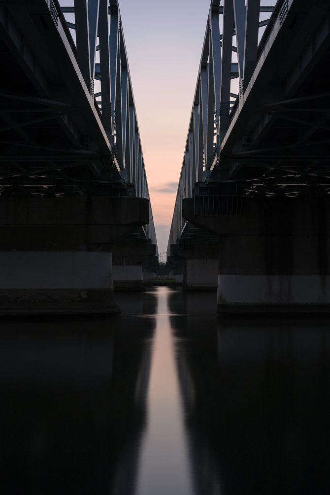 隙間の夕空
