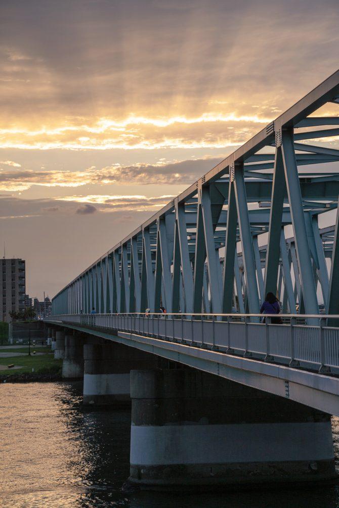 薄明光線と市川橋