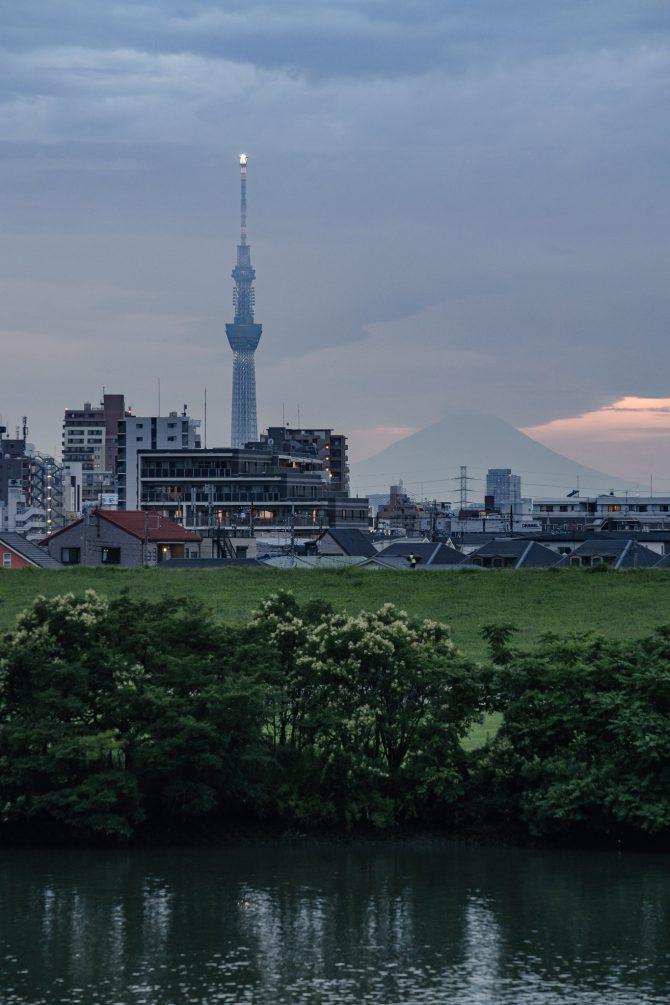 うっすら富士山とスカイツリー